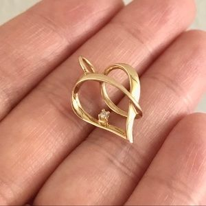 Bailey Banks & Biddle 3D gold heart pendant